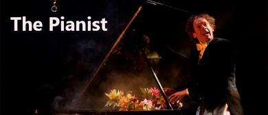The Pianist - Thomas Monckton And Circo Aereo
